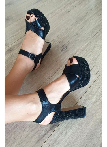 Topukla Ayakkabı Siyah